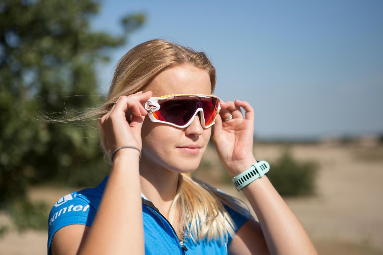 Veel modellen van de fietsbrillen van Oakley kunnen op sterkte geslepen worden