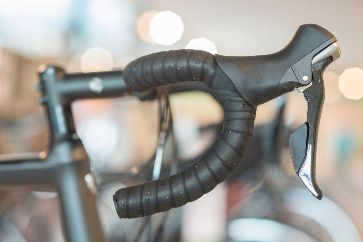La courbure compacte devient de plus en plus populaire pour les vélos de route.
