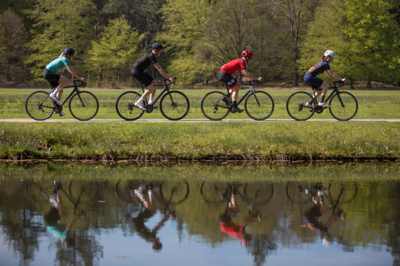 Als je gaat beginnen met wielrennen zorg dan dat je een fiets uitzoekt met de juiste framemaat.