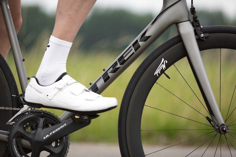 De Mantel carbon wielen zijn hebben de triple-A status van Schwalbe gekregen. Dat betekent perfecte passing, luchtdichtheid en montagegemak.