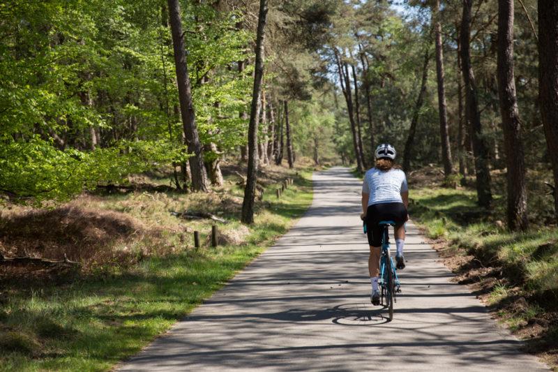 alleen fietsen tijdens coronauitbraak