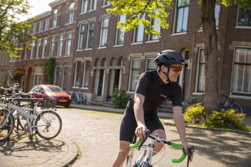 als je begint met wielrennen kijk dan extra goed uit in de stad.