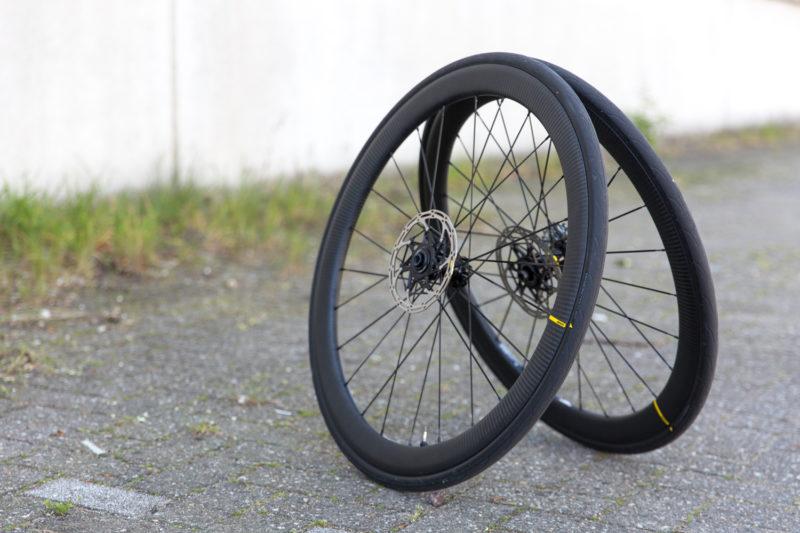 Racefiets wielen koopgids- Dankzij schijfremmen is er geen remrand meer nodig.