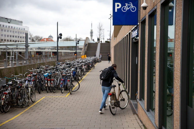 Fietsen die op verboden plekken zijn geparkeerd, kunnen weggehaald worden door de gemeente.