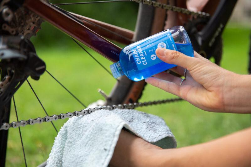 Schoonmaken van de fietsketting