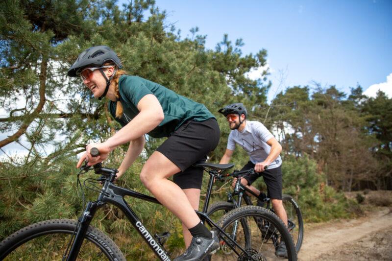 mountainbiken met mooi weer