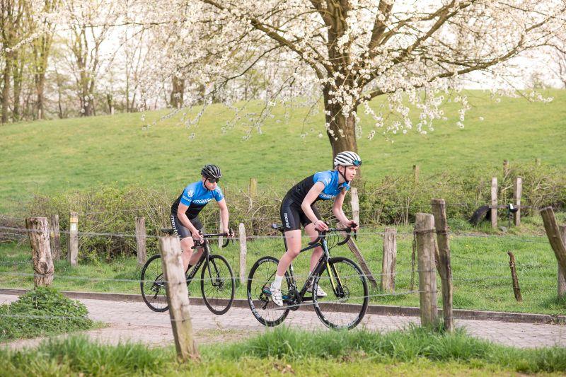 Als je net begint met wielrennen is het vooral belangrijk dat je racefiets goed bij je past.