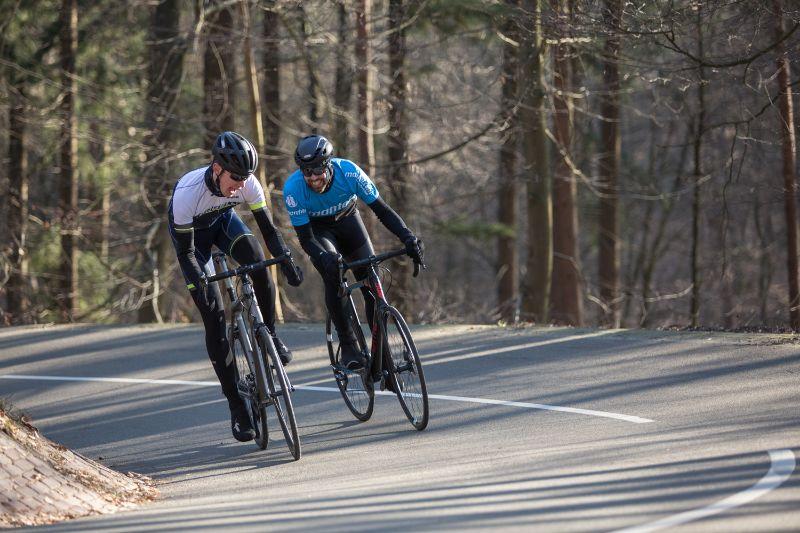 Met klikpedalen zul je ook bij een sprint meer controle houden over je racefiets.