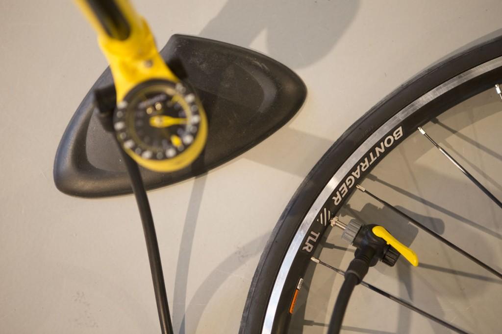 Maintenant, vous pouvez regonfler votre pneu.