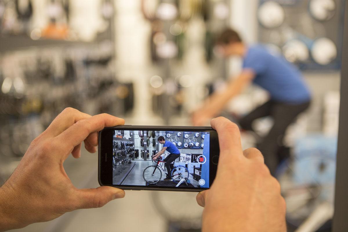 Presque chaque smartphone convient pour prendre une petite vidéo.