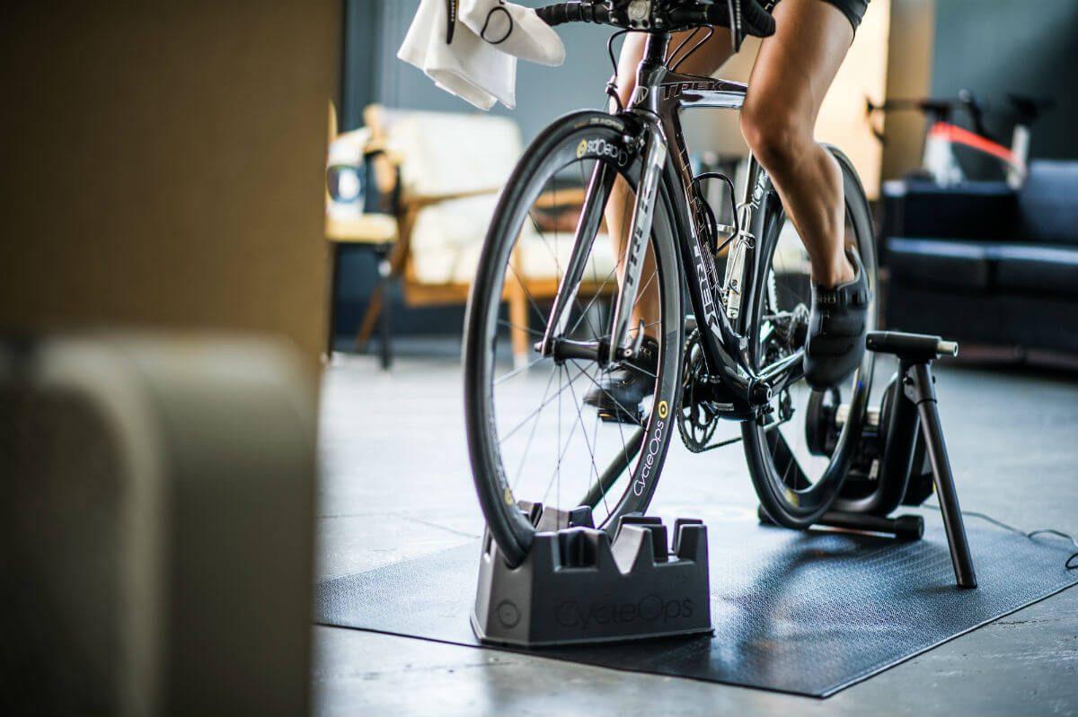 Met het Riser Block kun je een stijging simuleren en je voorwiel staat ook nog eens erg stabiel!