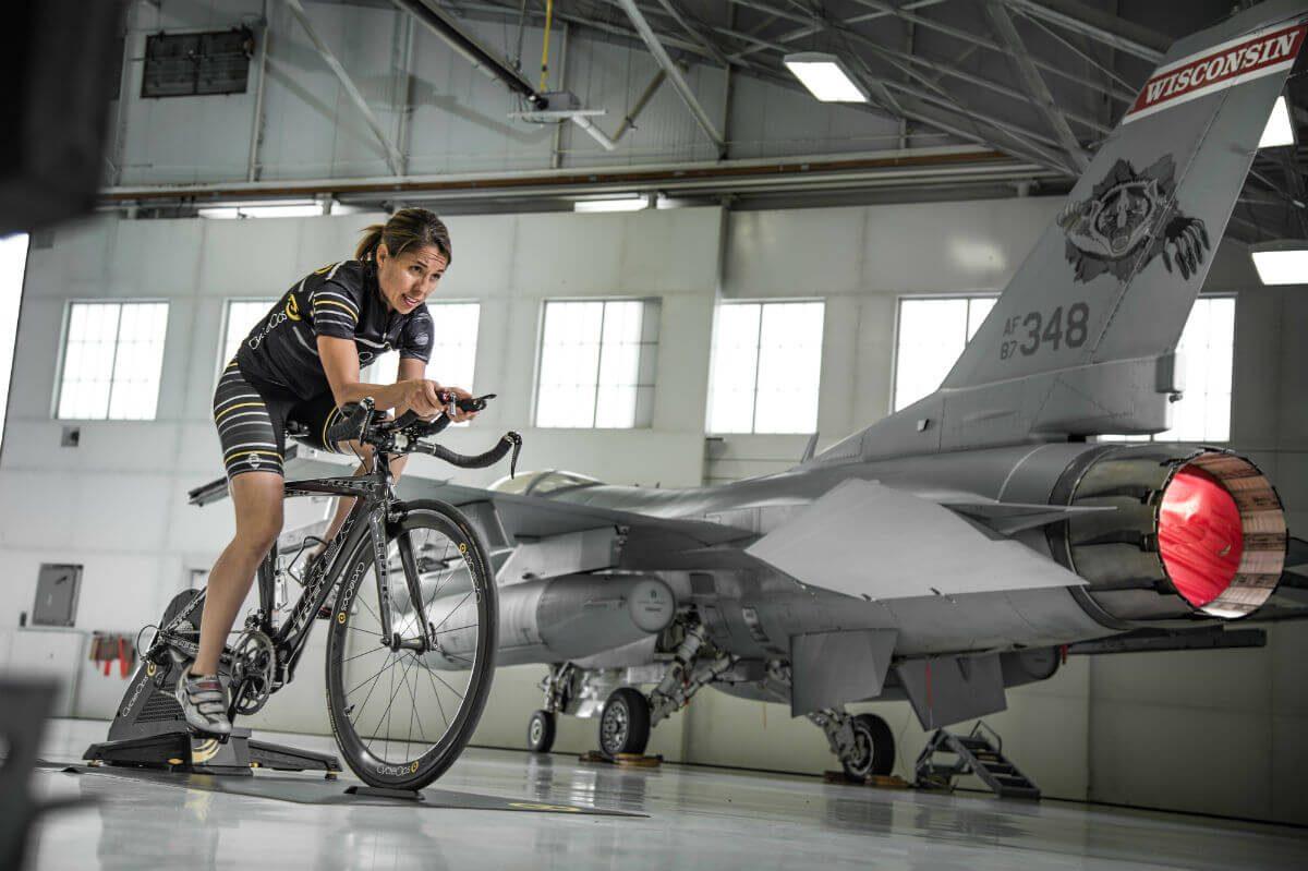 Je kunt een CycleOps trainer ook als stand-alone gebruiken. Dan kun je hem dus ook in je garage, naast je straaljager, neerzetten en gebruiken.