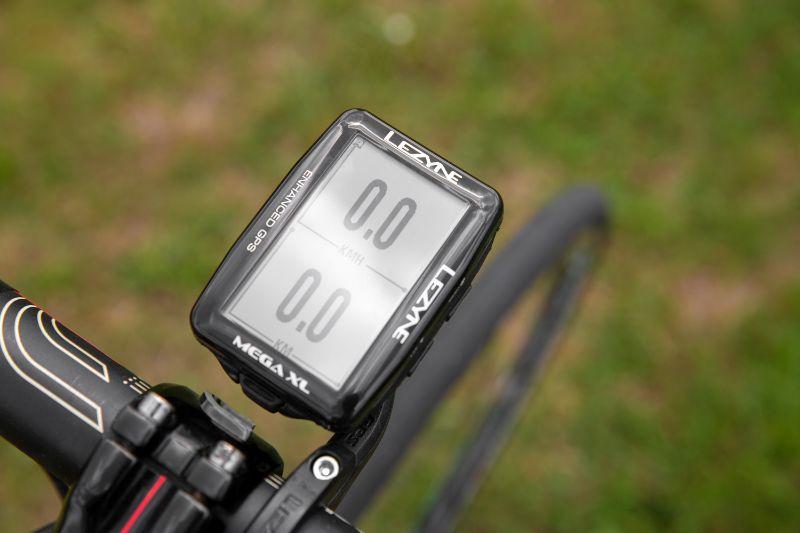 Lezyne haalt misschien wel de langste batterijduur van alle fietsnavigatie-apparaten die je op dit moment kunt krijgen.
