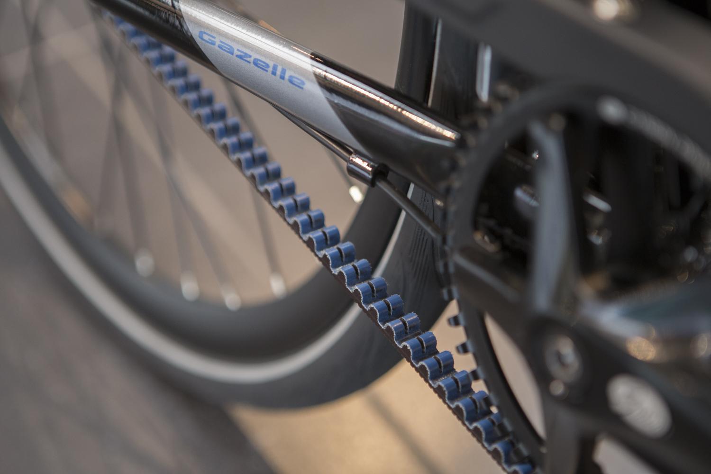 Man erwartet es nicht unbedingt, aber ein Fahrrad mit Riemenantrieb fährt fast geräuschlos.