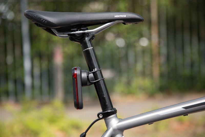 La lampe arrière Garmin Varia peut être commandée par votre compteur de vélo, très pratique !