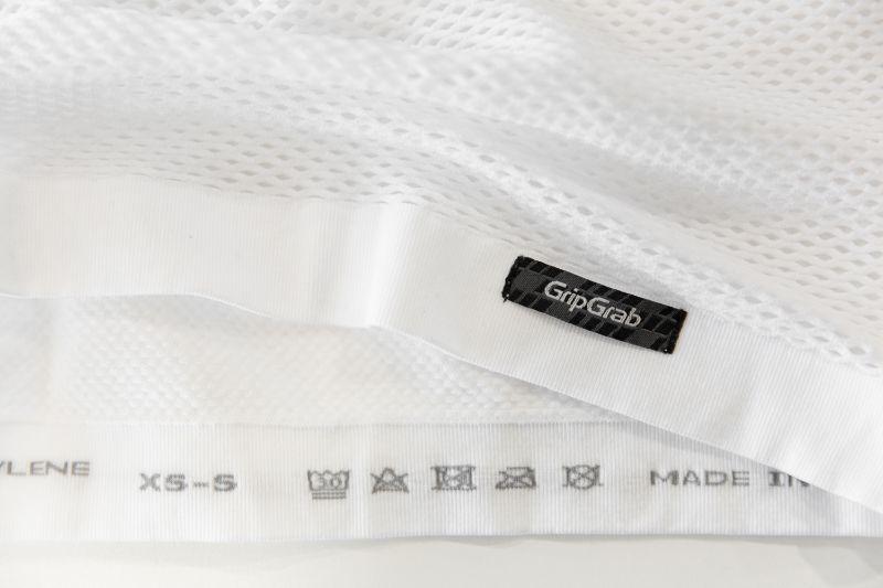 De witte versie van het 3-Season shirt was mouwloos, maar hield me ook lekker warm. Vooral op wat warmere dagen een handig alternatief.