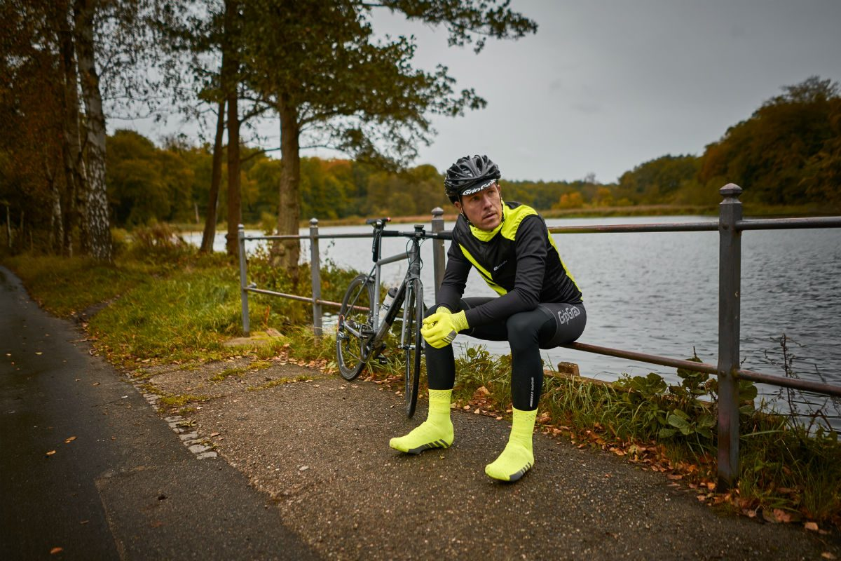 Waterproof overshoes are often enough in autumn. Winter overshoes can be too warm, causing your feet to overheat.