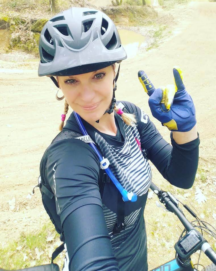 Jolanda s Cycling Wardrobe - Mountain Biker with a Passion for Fun ... dd4aac19b