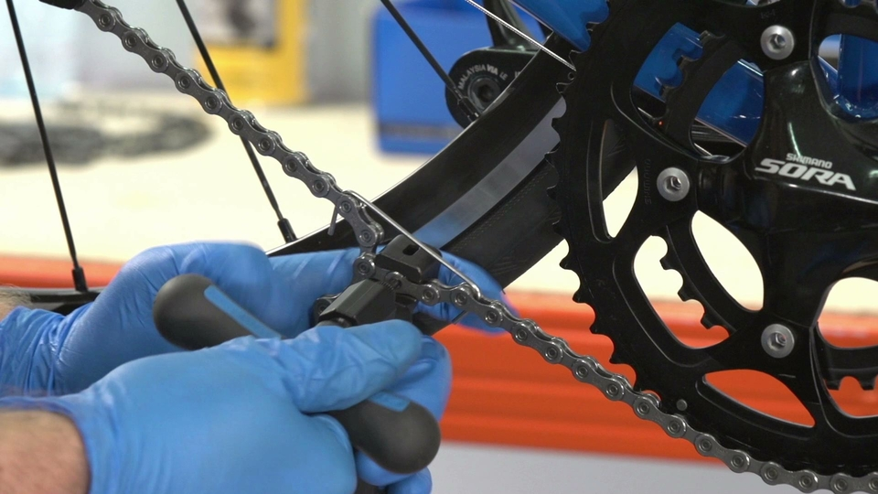 Replace a chain - Another few turns ought to do it.