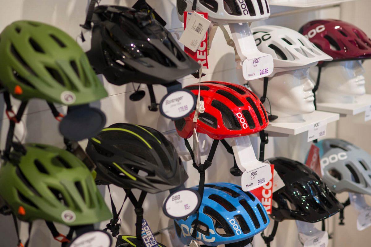 Gevallen met de fiets? Met Mantel Helmet Replacement kun je voordelig een nieuwe fietshelm uitzoeken als je je kapotte inlevert.