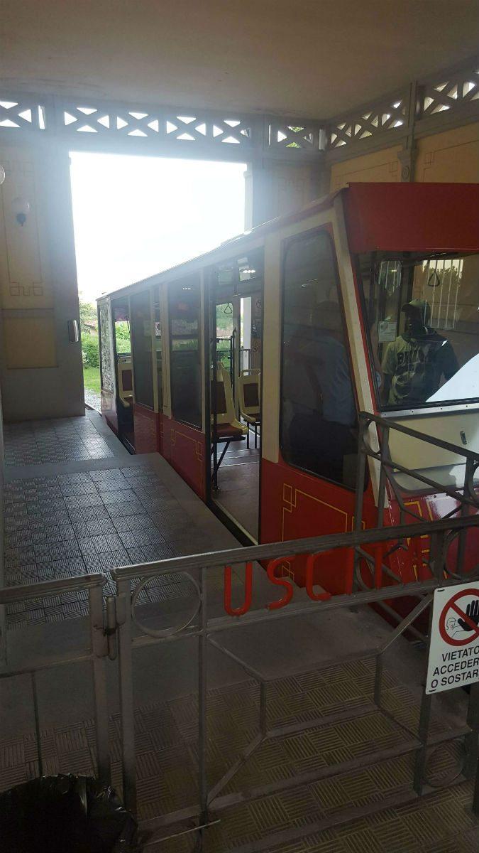 Het treintje waarmee we omhoog gingen naar Bergamo