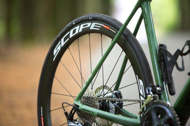De Scope R4D Racefiets wielen hebben een hoogte die echt in elke fiets mooi staat.