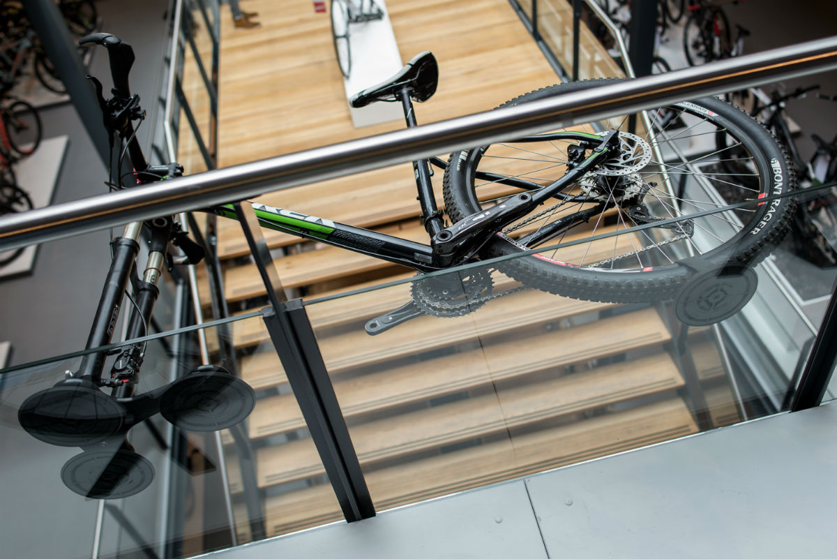 Dat je fiets met een SeaSucker fietsdrager echt veilig blijft zitten zie je hier wel in onze superstore.