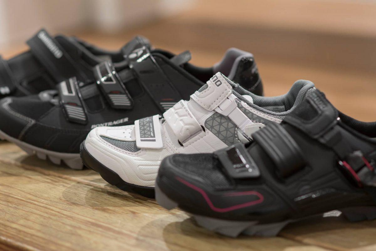Met een klittenbandsluiting kun je als je schoen makkelijk even wat losser maken als hij te strak komt te zitten tijdens je work-out.