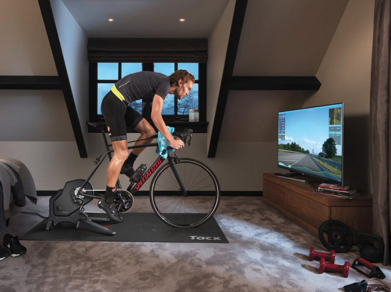 door blijven fietsen in de winter kan ook op een fietstrainer