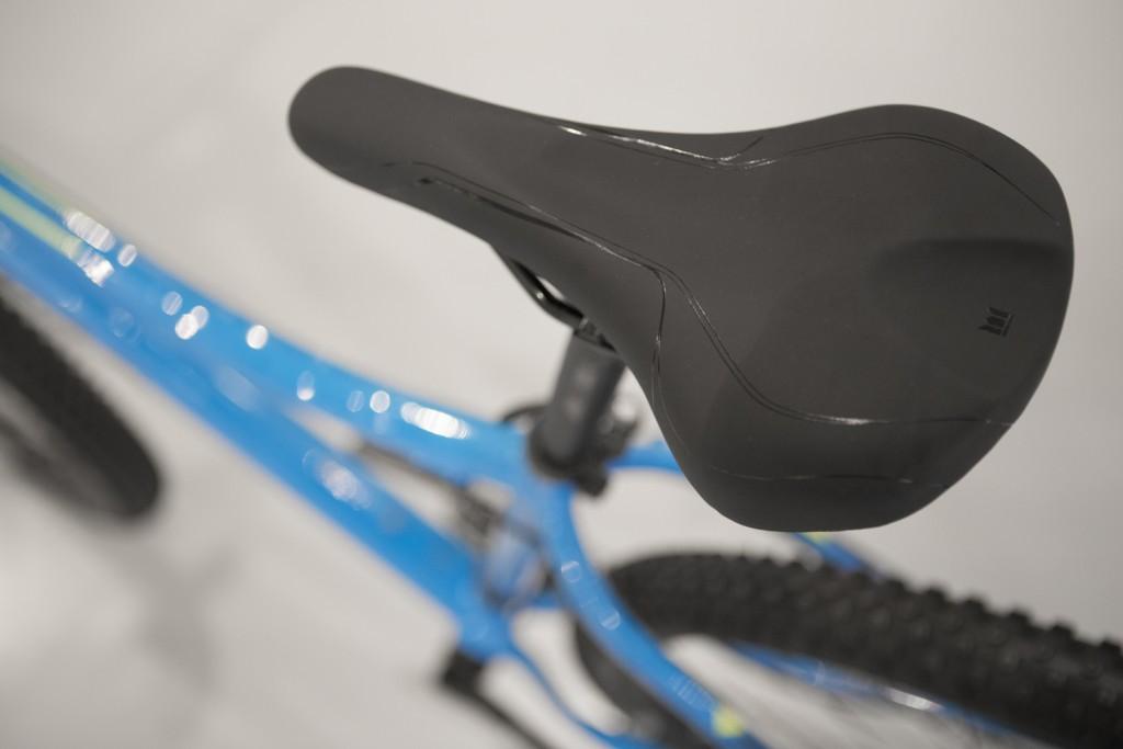 Mountainbiken voor vrouwen - Trek Cali SL - vrouwen mountainbike zadel breed