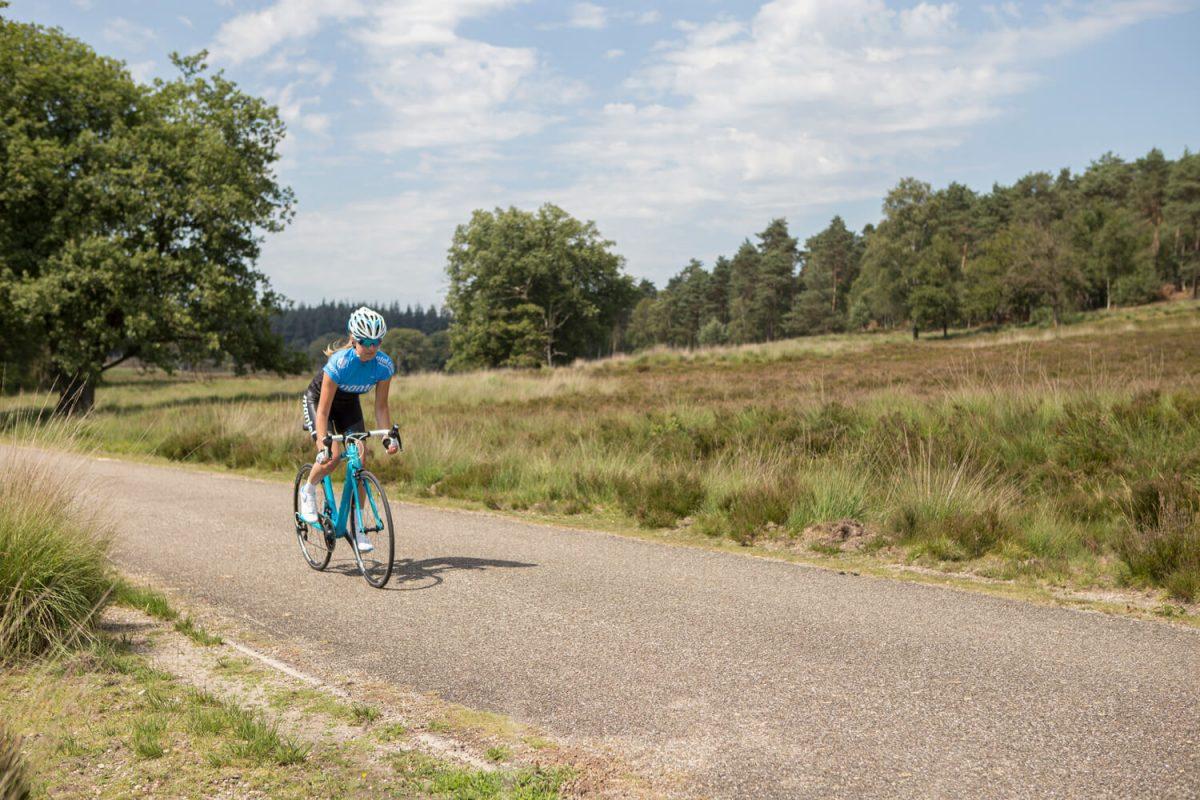 Afzien op de fiets wordt net iets minder erg als de omgeving mooi is.