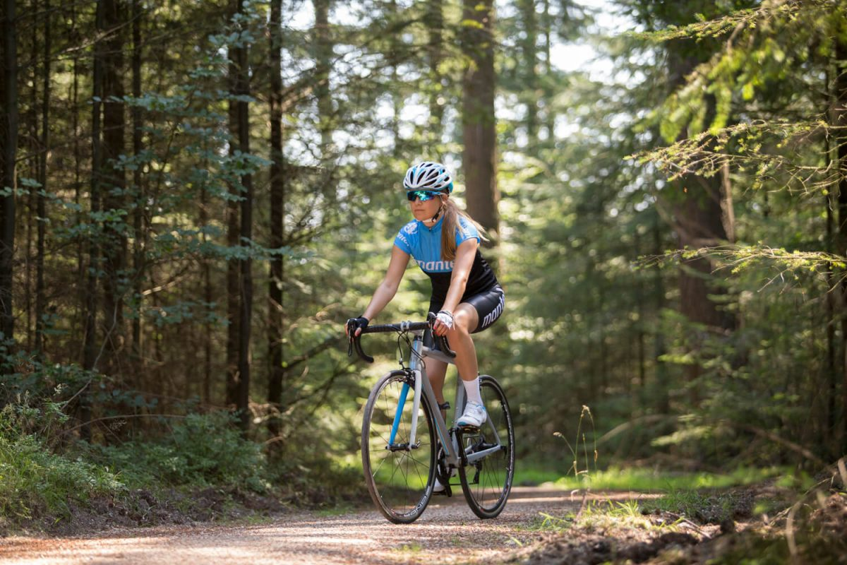 Setting the right tyre pressure reduces the chance of punctures, even on gravel roads.