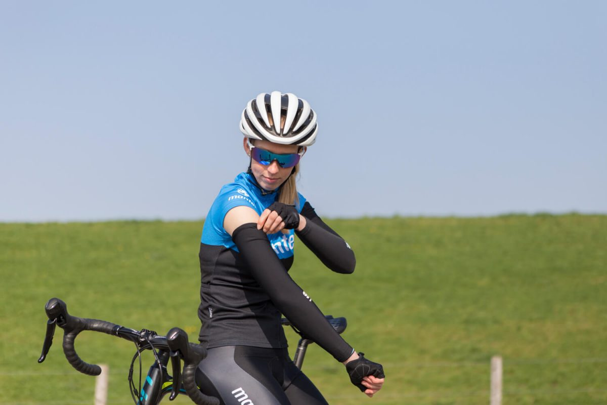 Sportives are great fun, but it does often mean setting off at an early hour. So bring your arm- and leg warmers for the first hour or so.