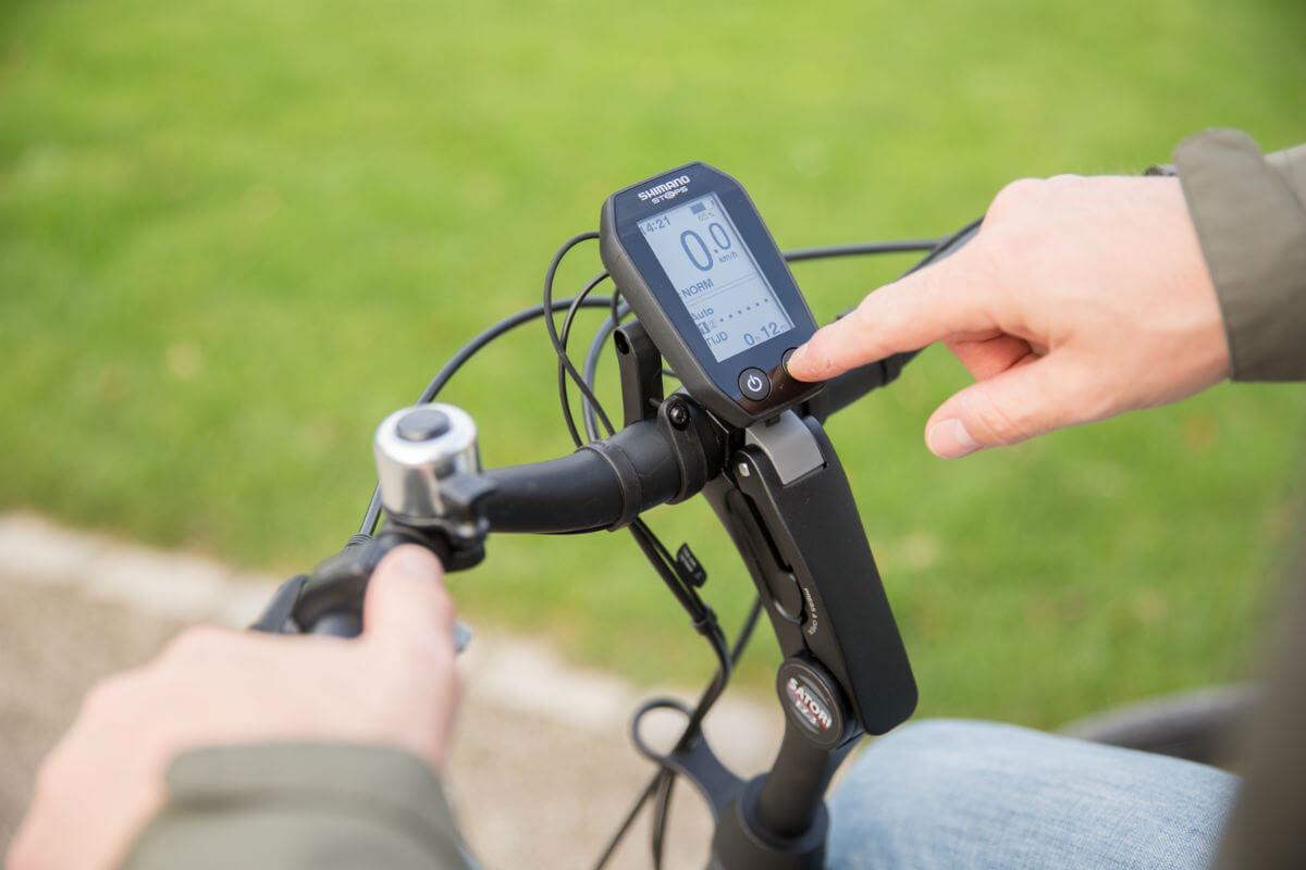 Bei einer Störungsmeldung auf dem Display musst du mit deinem E-Bike so schnell wie möglich zum Fahrradhändler.