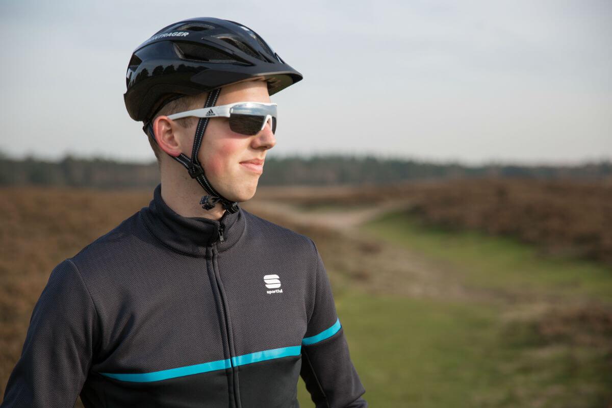 Een goed fietsjasje houdt je warm en droog.