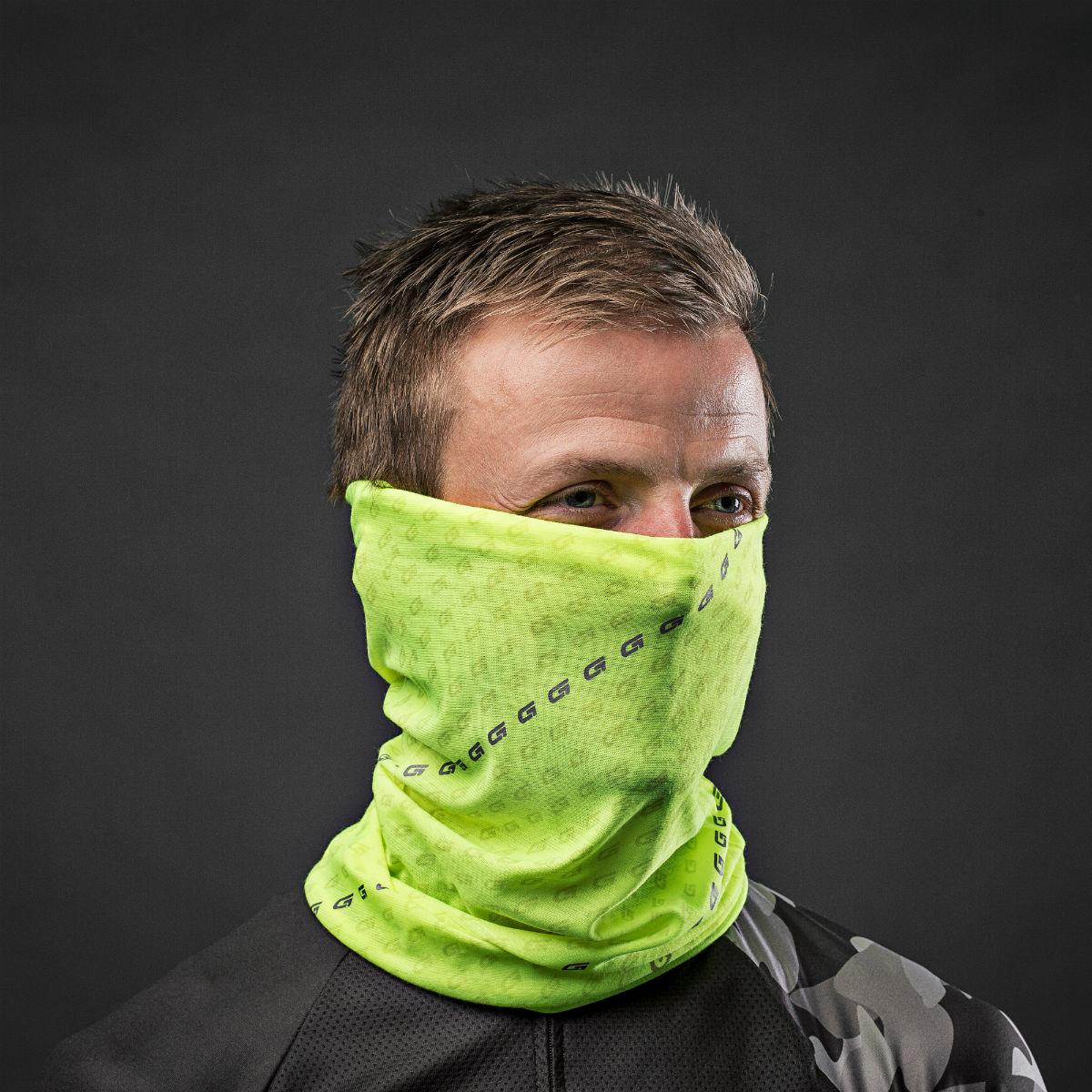 Een buisvormige doekje is geliefd onder veel fietsers omdat je hem op veel verschillende manieren kunt dragen.