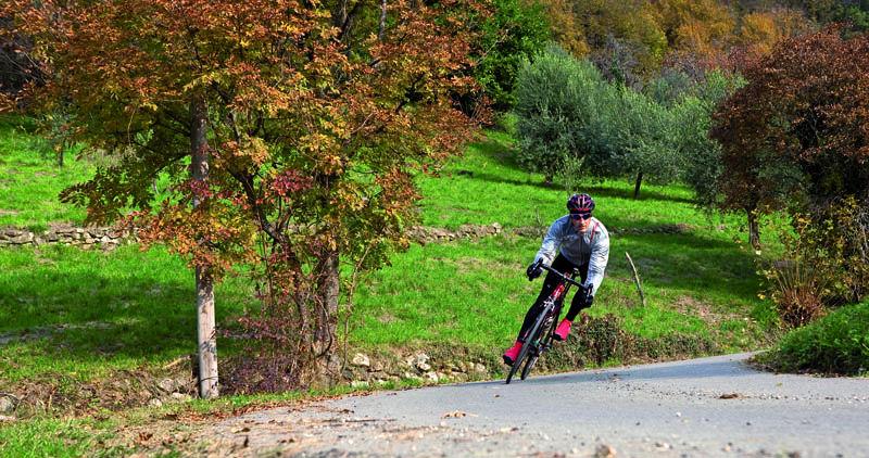 Vooral als de temperatuur daalt is een goede baselayer ook belangrijk bij het fietsen in de regen.