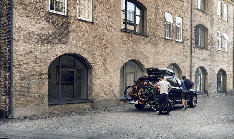 Een oprijgoot is niet alleen handig voor elektrische fietsen, ook full suspension fietsen of fatbikes krijg je zo een stuk makkelijker achterop je fietsendrager.