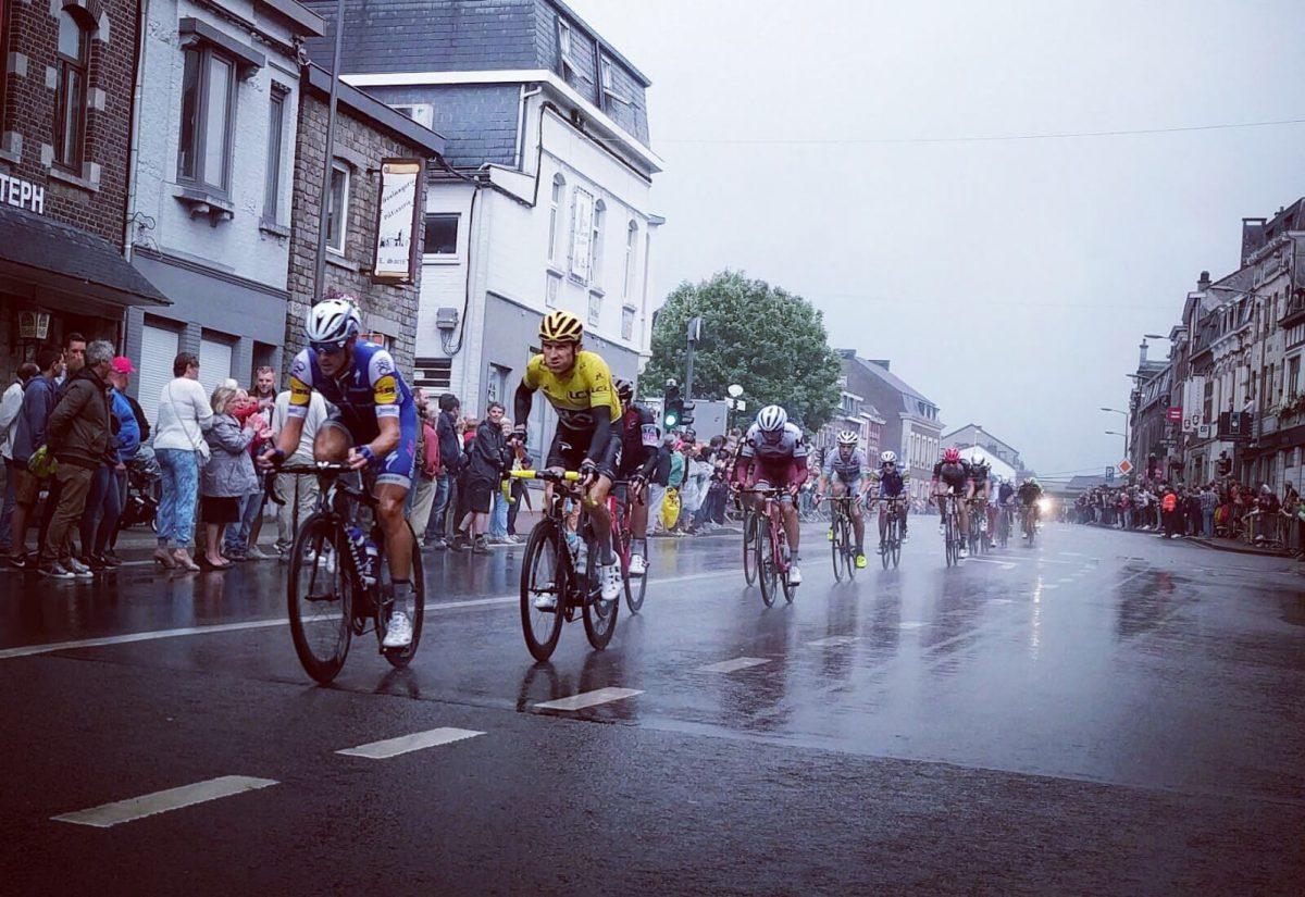Niet alleen De Tour wacht op niemand, de meeste fietsgroepjes doen dat ook niet bij de start.