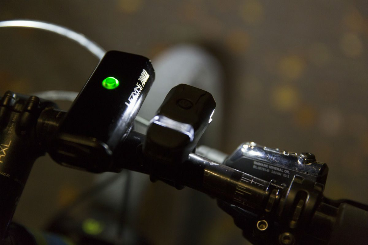 Lezyne fietsverlichting - Gezien worden en zelf ook alles zien [Review]