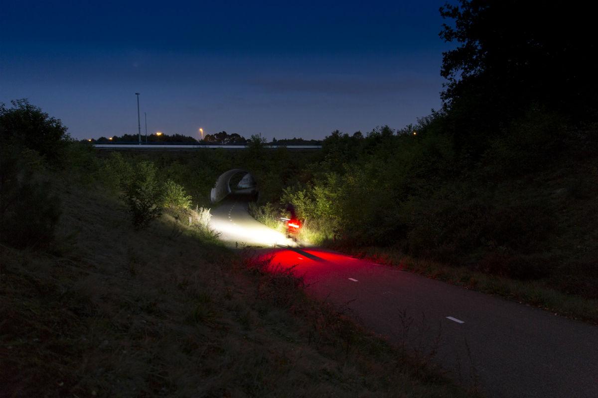 Fietsverlichting koopgids 2018 - Veilig verlicht de weg op en het ...