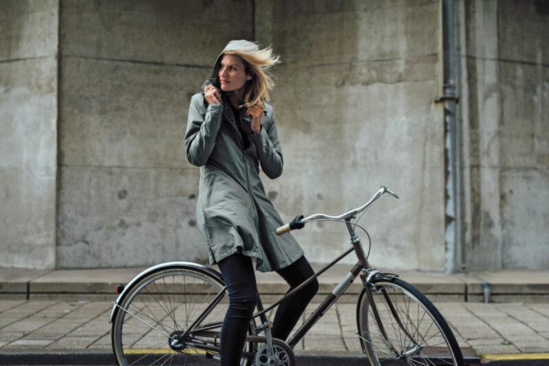 met deze regenkleding fiets je hip voorbij