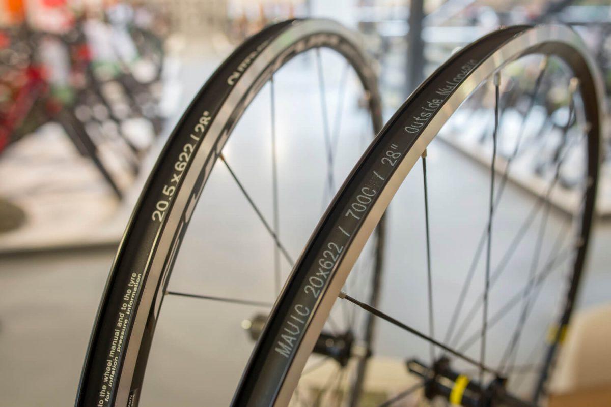 Wheelset Comparison – Mavic Aksium vs  Fulcrum Racing 7 LG | Mantel